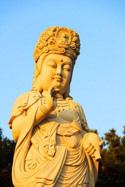 SKO0147 Asia, Republic of Korea, South Korea, Busan, Haedong Yonggungsa temple