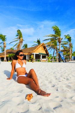 PHI1302 South East Asia, Philippines, The Visayas, Cebu, Malapascua island, girl on Bounty beach (MR)