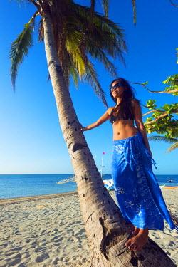 PHI1308 South East Asia, Philippines, The Visayas, Cebu, Malapascua island, girl on Bounty beach (MR)