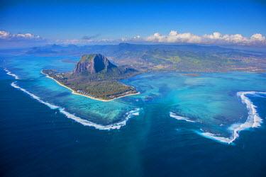 MA01173 Le Morne Brabant Peninsula, Black River (Riviere Noire), West Coast, Mauritius