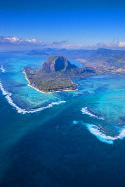MA01172 Le Morne Brabant Peninsula, Black River (Riviere Noire), West Coast, Mauritius