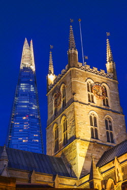TPX46353 England, London, Southwark, Southwark Cathedral and The Shard
