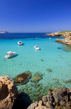 HMS0241371 Spain, Balearic Islands, Ibiza island, Cala Comte