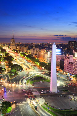 AR01203 Argentina, Buenos Aires, Avenida 9 de Julio and Obelisk