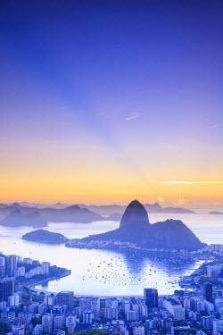 BZ01261 Brazil, Rio de Janeiro, View of Sugarloaf and Rio de Janeiro City
