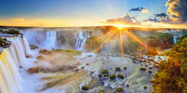 BZ02151 Brazil, Parana, Iguassu Falls National Park (Cataratas do Iguacu) (UNESCO Site), Devil's Throat (Garganta do Diabo)