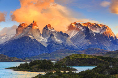 CL02430 Chile, Patagonia, Torres del Paine National Park (UNESCO Site), Lake Peohe