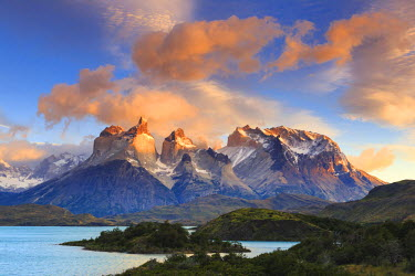 CL02431 Chile, Patagonia, Torres del Paine National Park (UNESCO Site), Lake Peohe