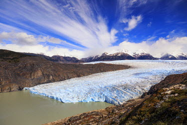 CL02437 Chile, Patagonia, Torres del Paine National Park (UNESCO Site), Lake and Glacier Grey