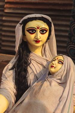 AS10ALA0168 India, Odisha, Subarnapur District, Subarnapur, Statues at Sonepur Cattle Fair
