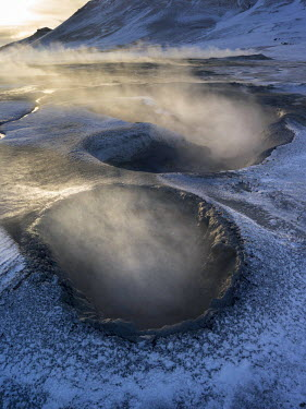 EU14MZW0203 Geothermal area Hveraroend near lake Myvatn and the ring road during winter with mud pools, fumaroles and solfataras, Iceland