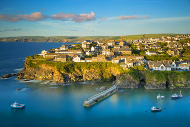 EU33BJN0165 Sunset over seaport village of Port Isaac, Cornwall, England, UK