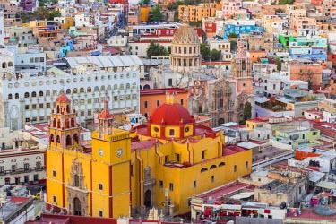 SA13BJY0125 Mexico, Guanajuato. Overhead view of Basilica Coelgiata de Nuestra
