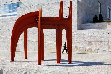 HMS0360942 Portugal, Lisbon, Cultural Center of Belem, sculpture