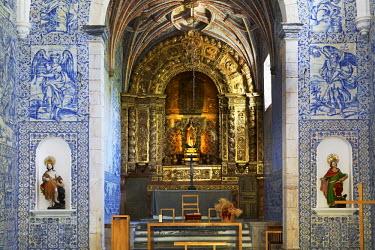 HMS1809138 Portugal, Alentejo, Arraiolos, Pousada Nossa Senhora da Assuncao, choir and azulejos of convent church