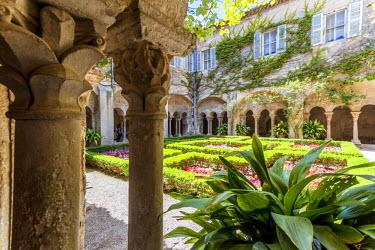 FRA8420AW France, Provence Alps Cote d'Azur, Saint Remy de Provence. Monast? St. Paul-de-Mausole, cloister