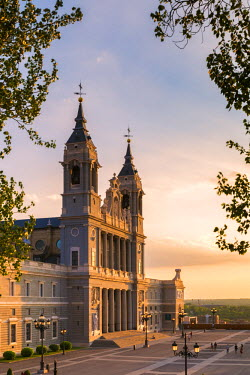 SPA5781AW Spain, Madrid. Cathedral de la Almudena at sunset