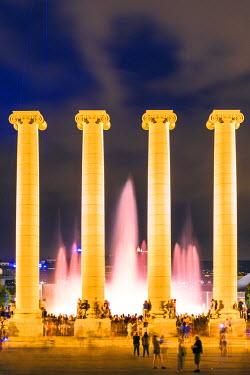 SPA6044AW Spain, Catalonia, Barcelona. Fuente Magica (magic fountain), Montjuic