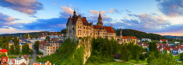DE05150 Elevated view towards Sigmaringen Castle illuminated at sunset, Swabia, Baden Wurttemberg, Germany, Europe