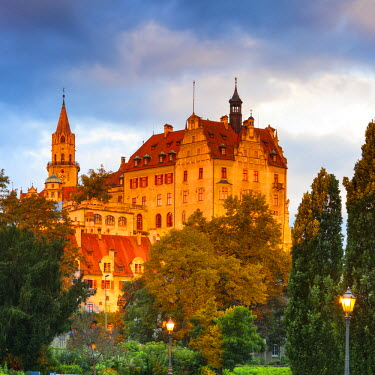 DE05251 Sigmaringen Castle illuminated at sunrise, Swabia, Baden Wurttemberg, Germany, Europe