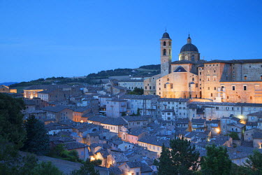 ITA3259AW View of Urbino (UNESCO World Heritage Site) at dusk, Le Marche, Italy
