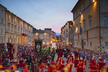 ITA3278AW Procession of medieval festival of La Quintana in Piazza Arringo, Ascoli Piceno, Le Marche, Italy