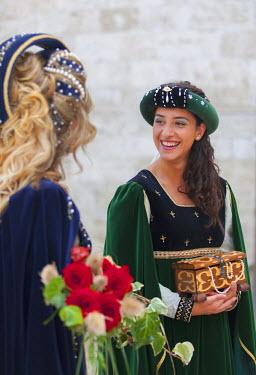 ITA3285AW Women in medieval festival of La Quintana, Ascoli Piceno, Le Marche, Italy