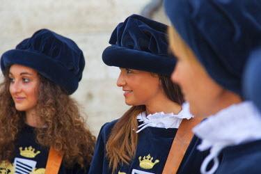 ITA3288AW Women in medieval festival of La Quintana, Ascoli Piceno, Le Marche, Italy