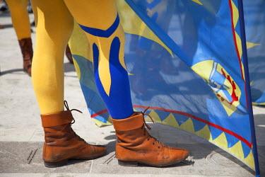ITA3291AW Detail of costume in medieval festival of La Quintana, Ascoli Piceno, Le Marche, Italy