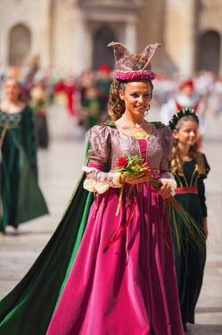 ITA3301AW Medieval festival of La Quintana in Piazza del Popolo, Ascoli Piceno, Le Marche, Italy