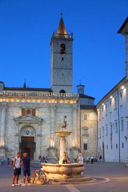 ITA3313AW Duomo (Cathedral) in Piazza Arringo at dusk, Ascoli Piceno, Le Marche, Italy
