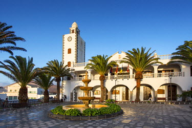SPA6169AW Town hall, Plaza Leon y Castillo, San Bartolome, Lanzarote, Canary Islands, Spain