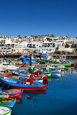 SPA6228AW Fishing boats, harbour La Tinosa, Puerto del Carmen, Lanzarote, Canary Islands, Spain