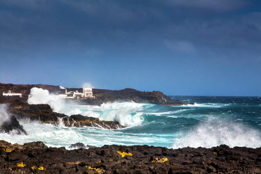 SPA6251AW Rough sea, Los Cocoteros, Guatiza, Lanzarote, Canary Islands, Spain