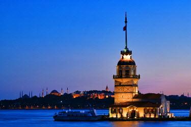 HMS0192345 Turkey, Istanbul, Bosphorus or Istanbul Strait, Uskudar District, Kiz Kulesi (Maiden's Tower)
