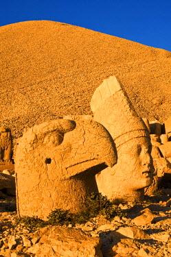 HMS0201508 Turkey, Eastern Anatolia, Nemrut Dagi (Mount Nemrut), listed as World Heritage by UNESCO, Antiochos Sanctuary, eastern terrace