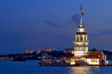 HMS0356517 Turkey, Istanbul, Bosphorus Strait, Uskudar District, Kiz Kulesi (the Maiden's Tower)