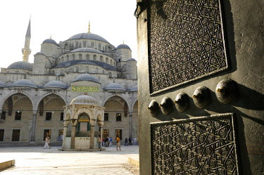 HMS0530921 Turkey, Istanbul, historical centre listed as World Heritage by UNESCO, Sultanahmet District, Sultan Ahmet Camii Mosque (Blue Mosque)