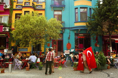 HMS0530990 Turkey, Istanbul, historical center listed as World Heritage by UNESCO, Sultanahmet District, cafes