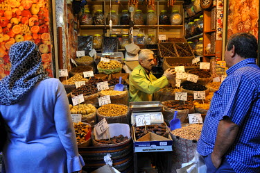 HMS0531020 Turkey, Istanbul, historical centre listed as World Heritage by UNESCO, Sultanahmet District, the Egyptian Bazaar (Misir Carsisi), also called the spice market