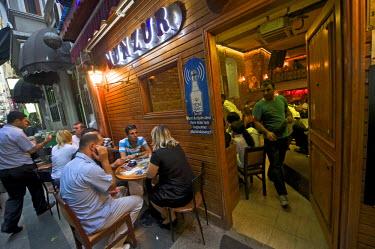 HMS0531134 Turkey, Istanbul, Beyoglu, Taksim District, Munzur, bar with local musik near Istiklal Caddesi Street