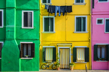 ITA3434AW Colourful painted houses in Burano, Veneto, Italy