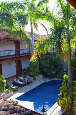 NIC0192 Nicaragua, Granada. The swimming pool in Hotel Plaza Colon.