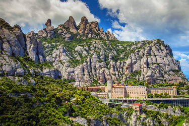 SPA6253AW The Benedictine abbey of Santa Maria de Montserrat, Monistrol de Montserrat, Catalonia, Spain