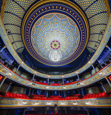 SCO33303AW Europe, Scotland, Edinburgh, Royal Lyceum Theatre