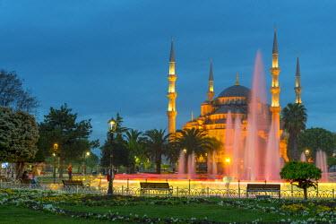 TK228RF Turkey, Istanbul, Sultanahmet, The Blue Mosque (Sultan Ahmed Mosque or Sultan Ahmet Camii)