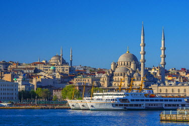 TK232RF Turkey, Istanbul, Sultanahmet, The Golden Horn, New Mosque (Yeni Camii)