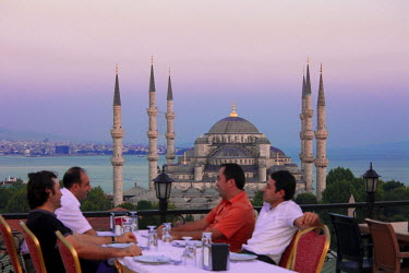 HMS0563273 Turkey, Istanbul, historical center listed as World Heritage by UNESCO, Sultanahmet District, Sultan Ahmet Camii Mosque (Blue Mosque)