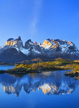 CHI8970 Chile, Torres del Paine, Magallanes Province. The principal attraction of the Torres del Paine National Park is the Paine massif with its granite spires and the contrasting igneous, sedimentary and me...
