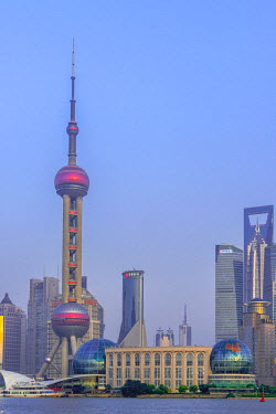 CN179RF China, Shanghai, Pudong District, Skyline of the Financial District across Huangpu River